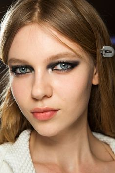 Spring/ Summer 2016 Couture Beauty Trends: Double Coated Mascara