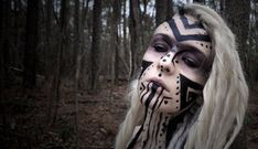Love this tribal makeup.
