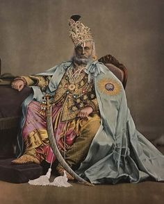 Krishna Choudhary, joaillier de Jaipur - The French Jewelry Post by Sandrine Merle Indiana, King Of India, Indian Prince, Royal Indian, Bollywood Cinema, History Of India, Vintage India, Groom Wear, Cute Girl Face