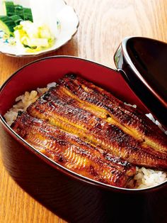 Unaju (Grilled Eel over Rice) うな重 Eel Recipes, World Recipes, Seafood Recipes, Asian Recipes, Healthy Recipes, Food Science, Korean Food, International Recipes, Grilling Recipes