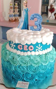 Pastel Frozen/ Betún/ Sabor vainilla/ pan arcoíris/ Cumpleaños/ Frozen Party, Frozen Birthday, Birthday Cakes, Pastel Frozen Betun, Frozen Elsa And Anna, Birthday Celebration, Ariel, Fondant, Egg
