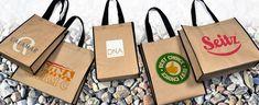 Die Materialmix #Werbetaschen sind aus ÖKO-Kraftpapier mit Non Woven gemacht. Die Taschen haben zwei Henkel und eine #Kantenumsäumung aus schwarzem pp non woven. Alle Kanten werden ordentlich #handvernäht. 🤗👍 Natürlich können Sie die Werbetaschen mit Ihrem #Logo bedrucken und so eine individuelle und auffällige Tasche anbieten. #Werbetaschen #Materialmix #Öko #Kantenumsäumung #handvernäht #Logo Logos, Paper Shopping Bag, Material, Kraft Paper, Tote Bag, Logo
