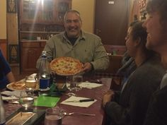 Growing Leaders Italia eventi...Steve eats a real pizza!