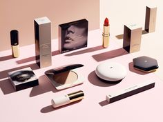 H& M redesigns their entire cosmetic, nail varnish, haircare, fragrance and bath and body line ...