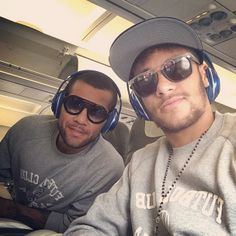 Another selfie from the football star Neymar Jr wearing the shades - highlighting the innovative design of matte and glass!
