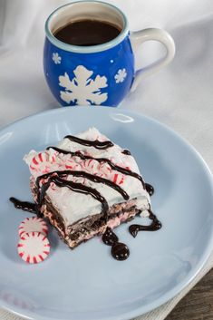 It's the season for dessert lasagna recipes! If you can't get enough of cold desserts like icebox cake recipes, you've just hit Rudolph's jackpot with this Chocolate Peppermint Dessert Lasagna recipe.