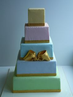 Ladurée inspired wedding cake  www.laura-moser.com