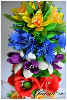 PALMA WIELKANOCNA - WIELKANOC (3981064403) - Allegro.pl - Więcej niż aukcje. Diy Paper, Paper Crafts, Crepe Paper Flowers, Winter Holidays, Spring Flowers, Quilling, Origami, Floral Wreath, Arts And Crafts