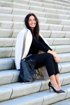 ANNA RIKE | Minimal + Chic | @CO DE + / F_ORM