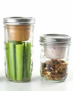 - One 6-ounce BNTO lunchbox adaptor for use with a wide mouth canning jar (jar sold separately). - Made in the USA from food grade recycled plastic (polypropylene #5) - BPA and BPS free - Reusable and
