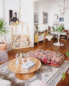 22 Bohemian Decor Essentials for Boho Chic Style Boho swingasan in Bohemian living room with Hanging Chair via Reserve Home Interior Design Trends, Interior Inspiration, Boho Inspiration, Design Ideas, Design Styles, Design Projects, Design Art, Boho Chic Living Room, Boho Room