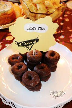 Disney Birthday Party ideas. DIY. Cars tires. Luigi.
