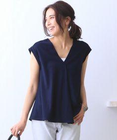 qualite(カリテ)のフレアーVカットソー(Tシャツ/カットソー)|ネイビー
