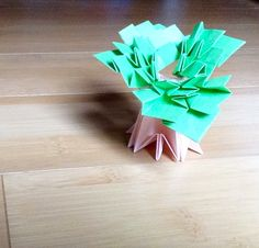Baobab tree, designed by Toshikazu Kawasaki, folded by Teru Kutsuna.