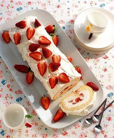 Erdbeer-Biskuitrolle - sehr lecker - vor 30 Jahren hatte ich das letzte Mal Biskuitrolle gebacken. Gibt es jetzt öfter