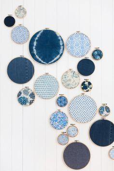 Ronds à broder et camaïeu de tissus (Tour Leslie Shewring's Work Studio In Victoria, BC)