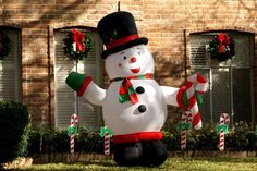 Cheap decoration inflatable, Buy Quality yard inflatables directly from China decorative decorative Suppliers: hight fat Airblown Inflatable Christmas Decorations Inflatable Snowman Yard Holiday Decoration Cheap Christmas Ornaments, Snowman Christmas Decorations, Christmas Snowman, Christmas Time, Christmas Ideas, Glass Ornaments, Christmas Lights, Outdoor Reindeer, Holiday Mood