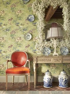 Cathy Kincaid The Well Adorned Home Dining Room with Green Wallpaper and Red Leather Chair and Blue and White Porcelain Red Leather Chair, Coral Walls, Enchanted Home, Green Wallpaper, Wallpaper Ideas, Blue And White China, Southern Living, Elle Decor, White Porcelain