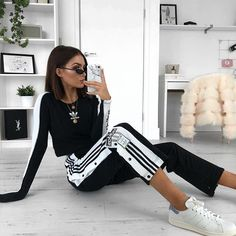 Sporty Outfits – Adidas popper pants yasss ✨ I've teamed up with to give away the ultimate prize bundle including vouchers, popper pants, goodies AND a personalised phone case How to enter: Ste Athleisure Fashion, Athleisure Outfits, Sporty Outfits, Sporty Style, Mode Outfits, Trendy Outfits, Fashion Outfits, Fashion Clothes, Fashion Boots