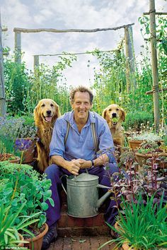 Backyard Garden Inspiration Prepare your soil and choose plants wisely says Monty Don Potager Garden, Garden Soil, Garden Landscaping, Longmeadow Garden, Monty Don Longmeadow, Back Gardens, Kew Gardens, British Garden, Olive Garden