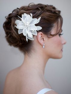 AA-S2259  Vintage Inspired White Beaded Organza Bridal Hair Flower with Feathers