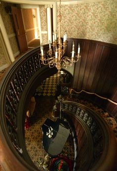 The main staircase at the Lighthouse Inn in New London -- gv note:  this was the staircase that the bride fell down on her wedding day, YEARS AGO, hence it being said the place had her ghost there!
