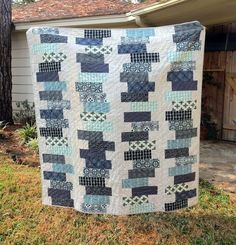 Totally Tubular Stacked Block Quilt Tutorial. Simple, easy piecing method!