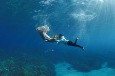 9 Breathtaking Engagement Photos Taken Underwater - Cosmopolitan.com
