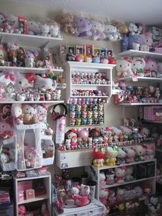 HUGE Hello Kitty collection !!!!!!!!!!!
