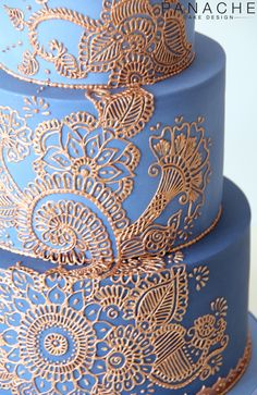 close up details henna cake London weddingcake wedding cake ombre blue mendhi Asian indian theme colour copper royal icing handpiped pretty elegant