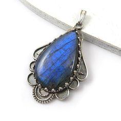 Labradorite pendant, blue gemstone pendant, retro metalwork jewelry, fine pendant, sterling silver jewelry