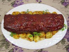 Rulada de carne tocata este un fel de mancare foarte apreciat de toata lumea, ideal pentru un pranz de duminca. Glazura dulce-picanta ii da un aspect frumos, iar gustul usor dulceag echilibreaza gustul ruladei de carne tocata. Cea mai gustoasa rulada de carne tocata se face dintr-un amestec de carne tocata tocata de vita si […]