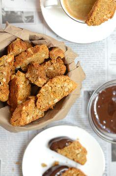 almond orange biscotti, sugar and gluten free