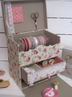 16 Projects To Repurpose And Reuse Cardboard Boxes - Top Craft Ideas Craft Organization, Craft Storage, Storage Boxes, Cardboard Organizer, Cardboard Crafts, Cardboard Boxes, Carton Diy, Fabric Covered Boxes, Altered Boxes