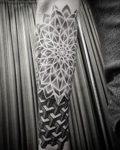"""95 Likes, 2 Comments - Jonny breeze (@jonnybreeze) on Instagram: """"#tattoo #tattoos #dotwork #dotworktattoo #mandala #mandalatattoo #geometrictattoo #blackwork…"""""""