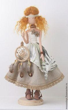 "Коллекционные куклы ручной работы. Ярмарка Мастеров - ручная работа Мока ""Ловец снов"". Handmade. Crochet Doll Clothes, Knitted Dolls, Felt Dolls, Crochet Dolls, Baby Dolls, Kawaii Doll, Bride Dolls, Doll Tutorial, Little Doll"