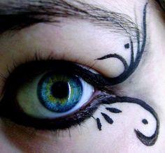 Alyssa's eyes