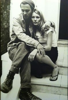 90's style iconic couple- johnny depp and kate moss