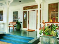 loving the turquoise painted/stained hardwood...and the large pot Sugar Plantation in Maui on hookedonhouses.net