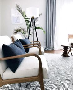 modern meets traditional living room decor, neutral living room decor with wood and upholstered chairs and neutral rug Interior Design Blogs, Interior Wall Colors, Home Interior, Apartment Interior, Bedroom Colors, Interior Paint, Apartment Living, Interior Architecture, Living Room Chairs