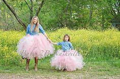 Wedding Flower Girl Portrait Tutu in Pink por Baby2BNashville