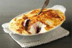 Marjagratiini ✦ Kermaisen pehmeä gratiini yhdistää makean ja happaman. Kokeile! http://www.valio.fi/reseptit/marjagratiini/ #resepti #ruoka