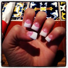 Pink and White Flared Nails ❤ #manicure