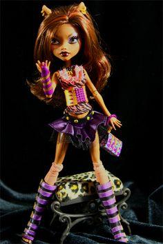 Rocking her maul gifts - #Clawdeen Wolf #monsterhigh