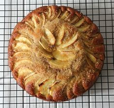 Apple Cinnamon Tea, Cinnamon Tea Cake, Tea Cakes, Cupcake Cakes, Yummy Treats, Delicious Desserts, Sweet Treats, Apple Tea Cake, Baked Apples