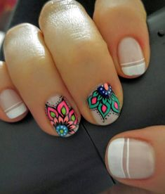 Having short nails is extremely practical. The problem is so many nail art and manicure designs that you'll find online Diy Nails, Cute Nails, Pretty Nails, Do It Yourself Nails, Mandala Nails, Toe Nail Designs, Nagel Gel, Flower Nails, Nail Art Flowers