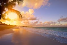 Choose the Best Beach Sunrise Pictures to Use as Wallpaper ...