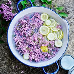 Syrensaft mittkok.expressen.se Food Is Fuel, Food N, Food And Drink, Flower Food, Greens Recipe, Food Inspiration, Vegan Vegetarian, Yummy Treats, Baking Recipes