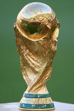 Trophée de la Coupe du monde par Silvio Gazzaniga datant de 1970