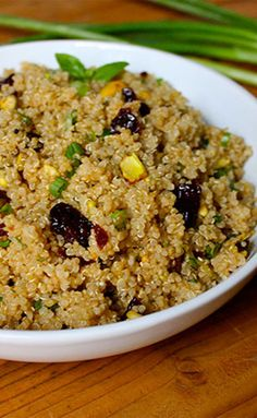 Quinoa with Pistachios and Dried Cherries -- Dried cherries and pistachios make this dish colorful and festive. This recipe also makes great leftovers! // recipes // healthy recipes // fall recipes // lunches // dinners // meal prep // beachbody // beachbody blog